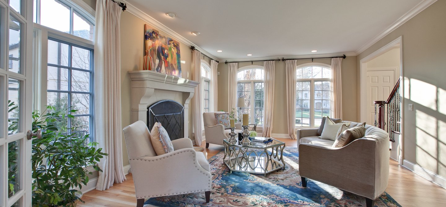showhomes america s largest home staging company rh showhomes com